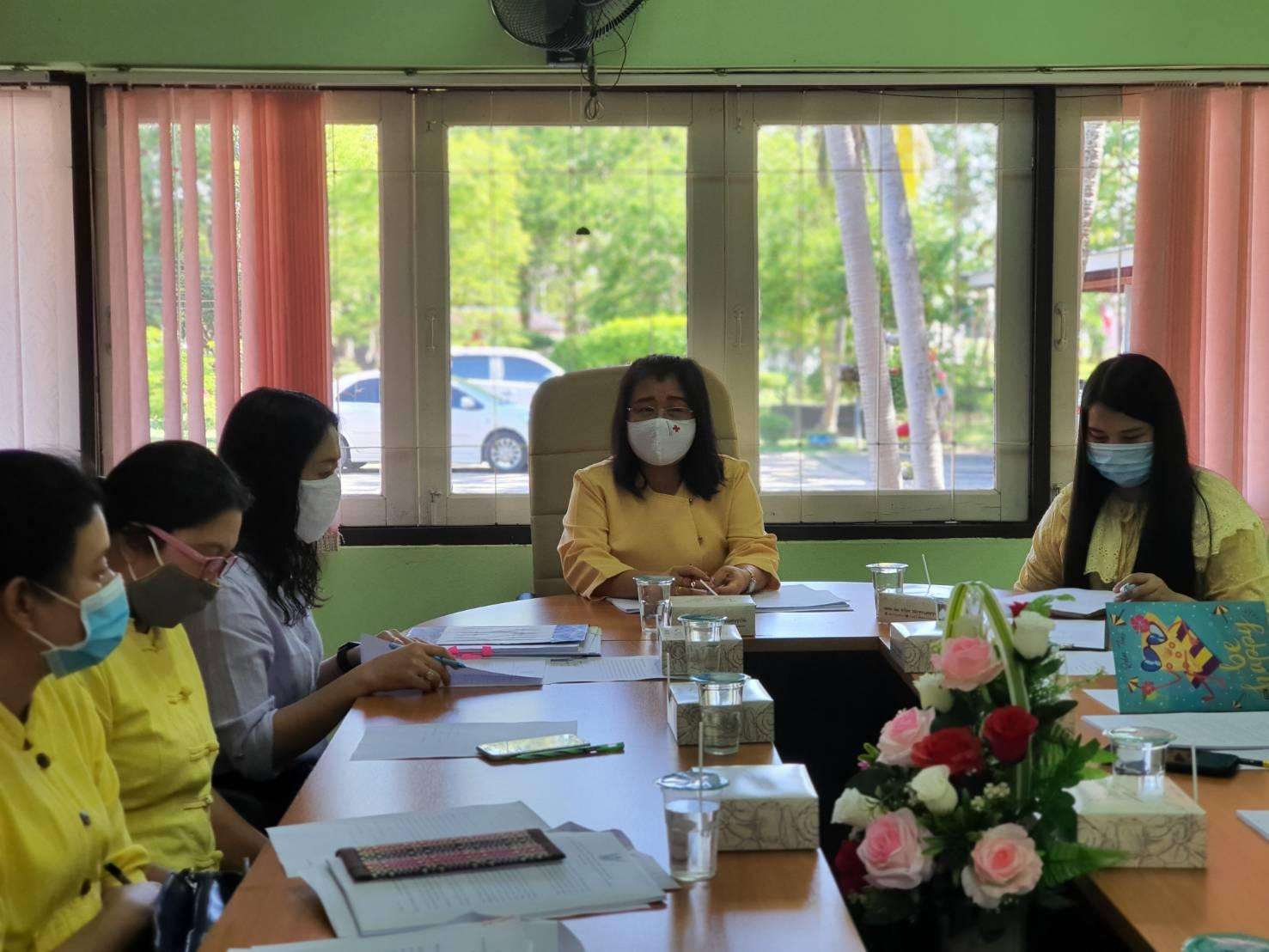 ผู้อำนวยการสำนักงาน กศน. จังหวัดกำแพงเพชร เข้าร่วมประชุมข้าราชการครู เพื่อพิจารณาจัดทำหลักสูตรการอบรมข้าราชการ สายผู้สอน ประจำปี 2563